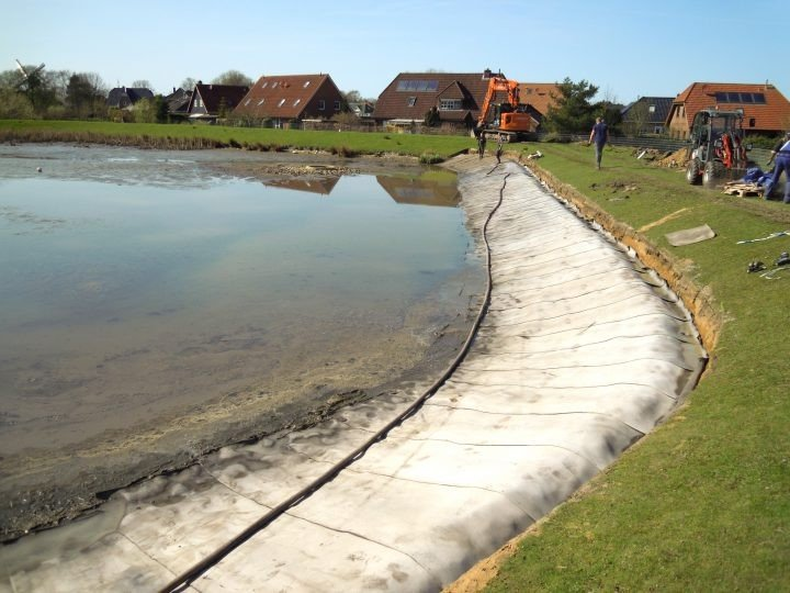 Wilster pond-erosion control using ground anchors